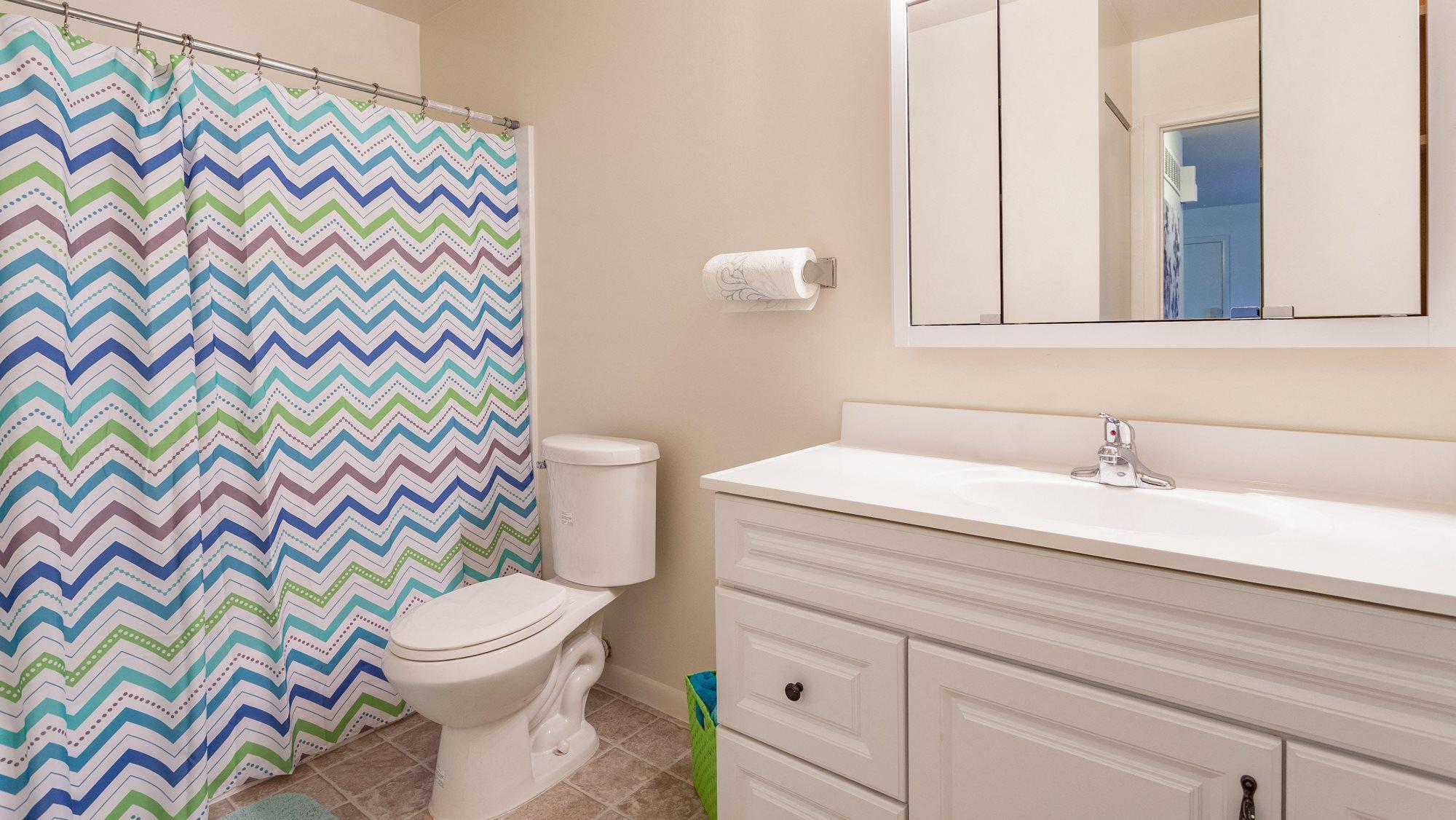 Spacious Bathrooms at Regents Court Apartments,33105 Warren Road, Westland MI,48185