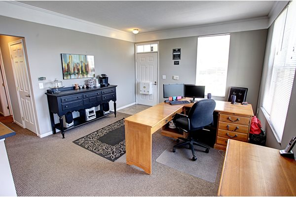 College Park Apartments Office