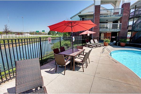 Gateway Lakes Apartments Poolside Umbrella