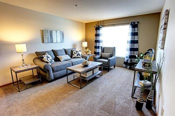 3799 Gateway Lakes Dr 1-2 Beds Apartment for Rent Photo Gallery 1
