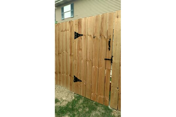 Wooden fencing for Worthington Meadows Townhomes private patios in Columbus, Ohio 43085