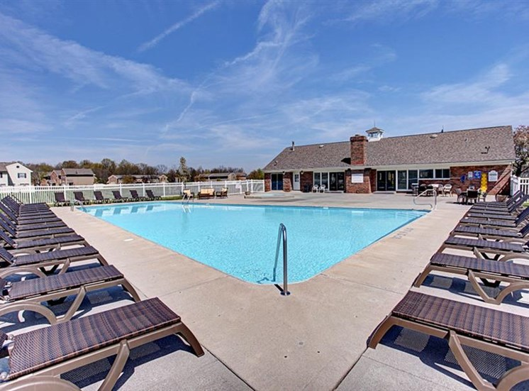 Expansive swimming pool with sundeck area at Worthington Meadows Townhomes in Columbus, Ohio 43085