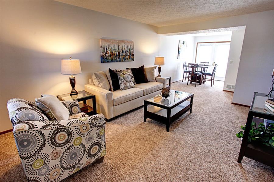Worthington Meadows Townhomes Living Room