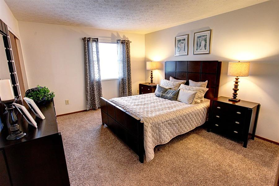 Worthington Meadows Townhomes Furnished Bedroom