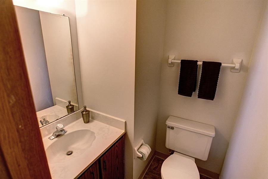 Worthington Meadows Townhomes Bathroom