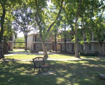 3700 E. Brookstown Dr. East 1-3 Beds Apartment for Rent Photo Gallery 1