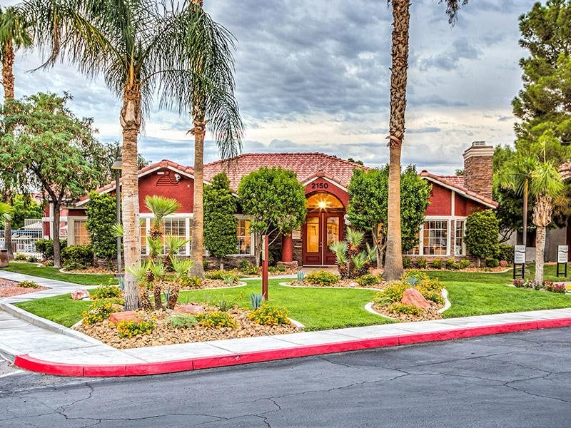 Lush landscaping at St. Lucia Apartments, Las Vegas, NV,89128