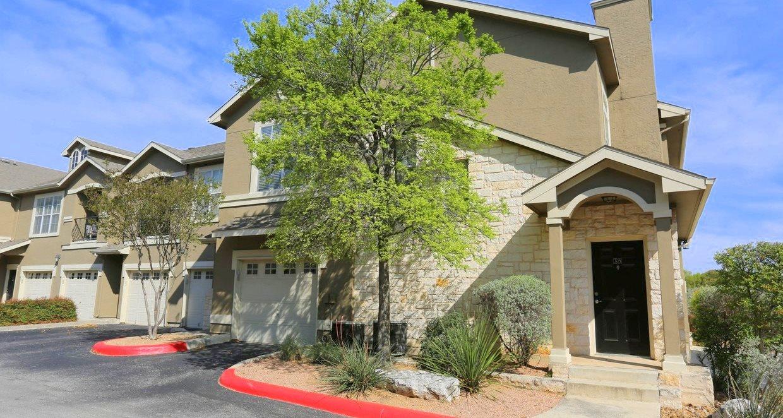 Springs Apartments San Antonio