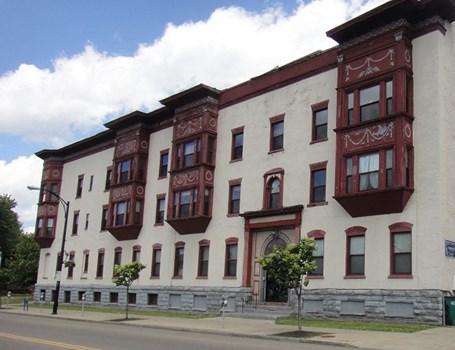 228 Summer and 267 Elmwood Apartments Community Thumbnail 1