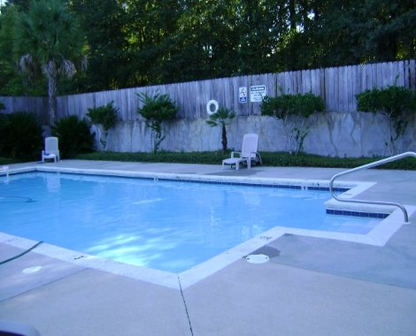 Apartments with a pool in Mobile AL