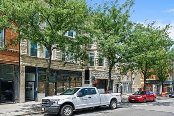 1054 N. Ashland Ave. 1-4 Beds Apartment for Rent Photo Gallery 1