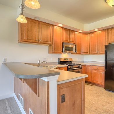 Upscale Kitchens in Lewisberry, PA | Glenbrook Town Homes | Property Management, Inc.