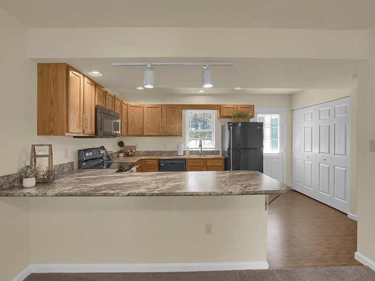Large Apartment Kitchen | Rockledge Townhomes in Mechanicsburg | PMI |