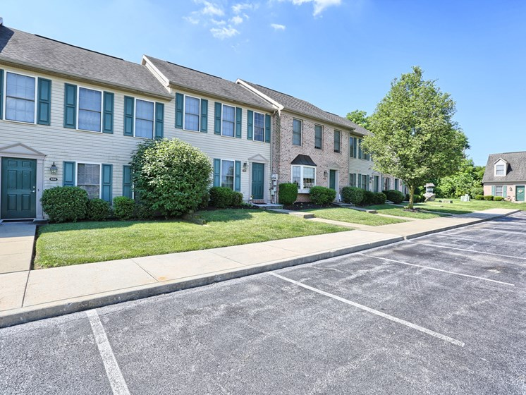 Mechanicsburg Apartments Rent | Rockledge Townhomes in Mechanicsburg | PMI |