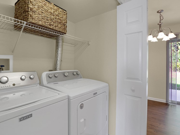 Mechanicsburg Apartments With A Washer and Dryer | Rockledge Townhomes in Mechanicsburg | PMI |