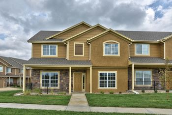 Parkview Townhomes 2-3 Beds Townhouse for Rent Photo Gallery 1