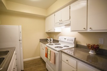 200 S Linden Avenue 1-2 Beds Apartment for Rent Photo Gallery 1