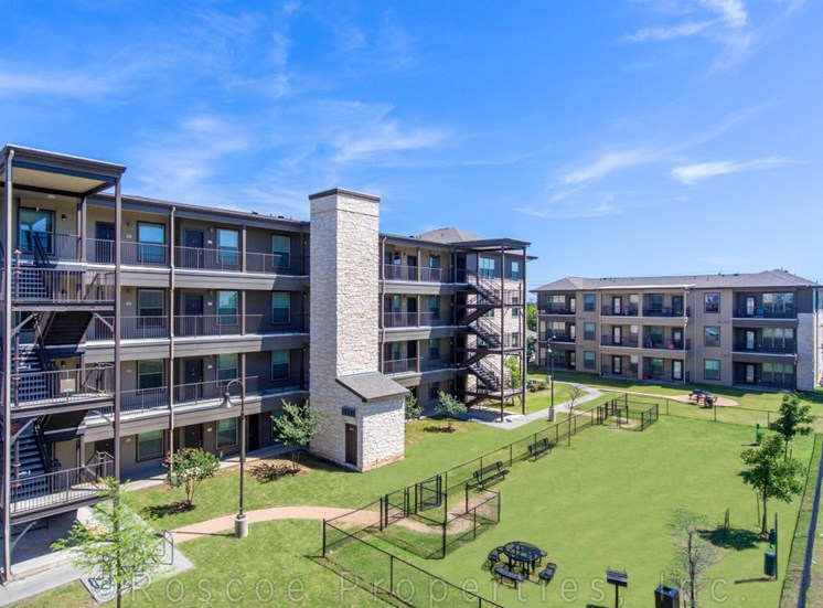 aerial-apartments-on-north-lamar