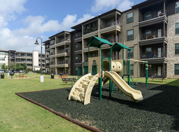park-apartments-on-north-lamar
