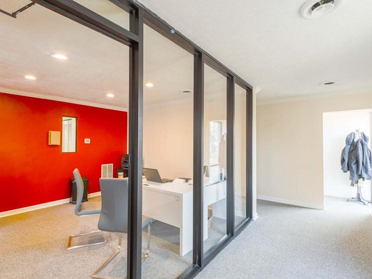 matador apartments leasing office