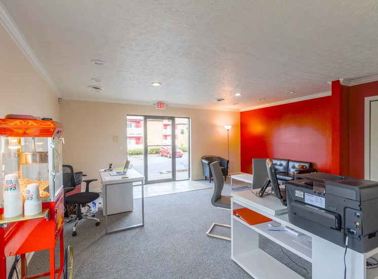 matador apartments leasing office
