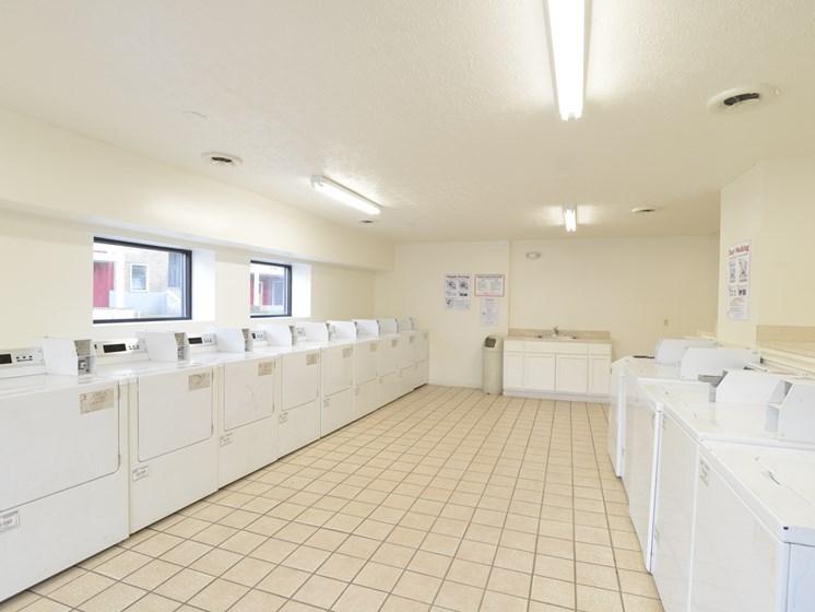 matador north laundry facilities