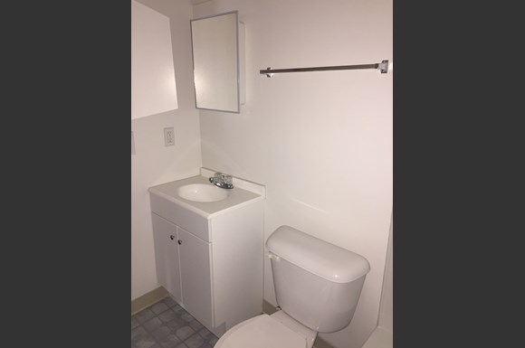 Northside Flats Apartments Kentucky Avenue Cincinnati OH - Bathroom fixtures cincinnati
