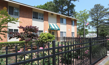 360 Roseman Ct 1-3 Beds Apartment for Rent Photo Gallery 1