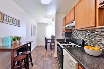 215-D Woodhill Dr 1 Bed Apartment for Rent Photo Gallery 1