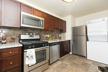7930 Silver Leaf Court Apt D 1 Bed Apartment for Rent Photo Gallery 1