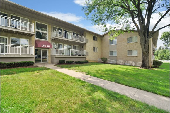willow lake apartment homes 13010 old stagecoach rd