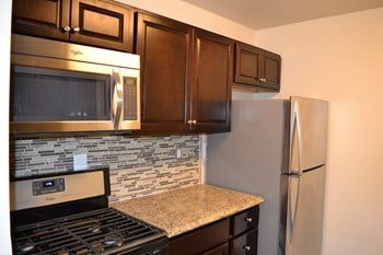 13010 Old Stagecoach Rd Studio Apartment for Rent Photo Gallery 1