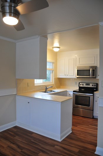 19 Belle Ave 1-2 Beds Apartment for Rent Photo Gallery 1