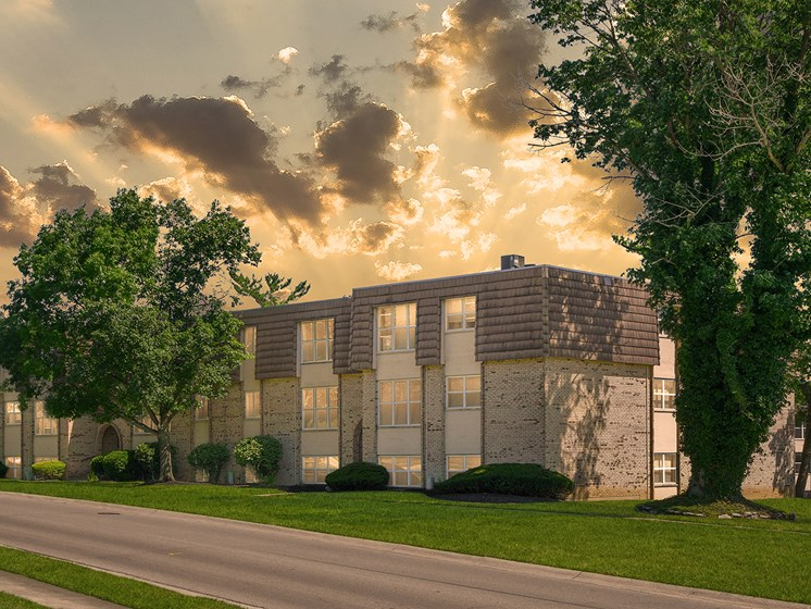 Premier Apartment Community at Carriage Hill Apartment Homes, Hamilton, OH, 45013