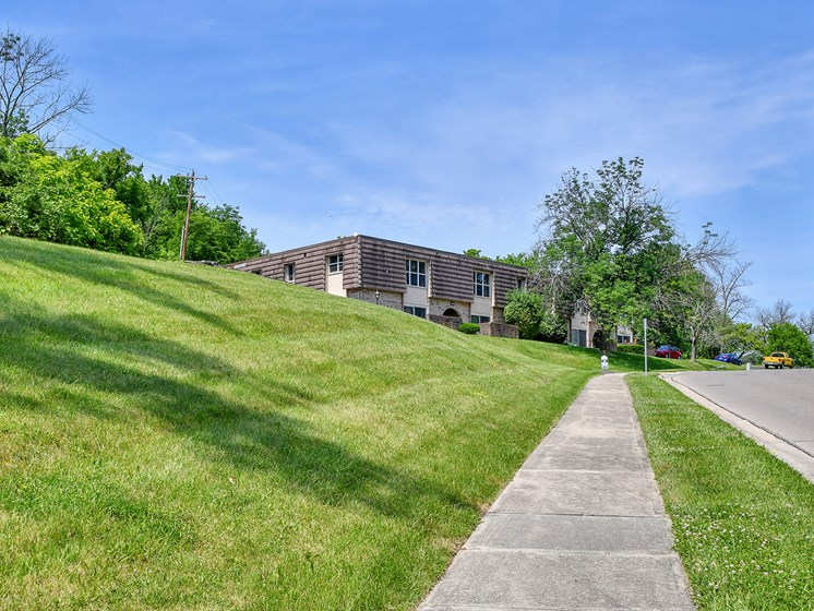 High Rise Luxury Apartments at Carriage Hill Apartment Homes, Hamilton, OH