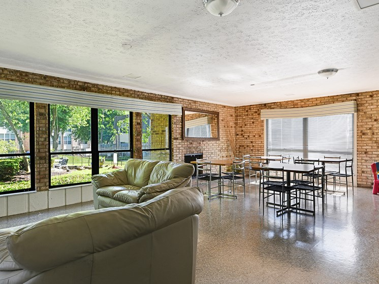 Defined Dining Space at Carriage Hill Apartment Homes, Hamilton, OH
