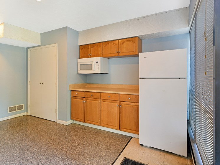 Separate Spaces for Dining at Carriage Hill Apartment Homes, Hamilton, 45013