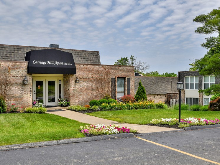 Award Winning On Site Office and Service Team at Carriage Hill Apartment Homes, Hamilton, 45013
