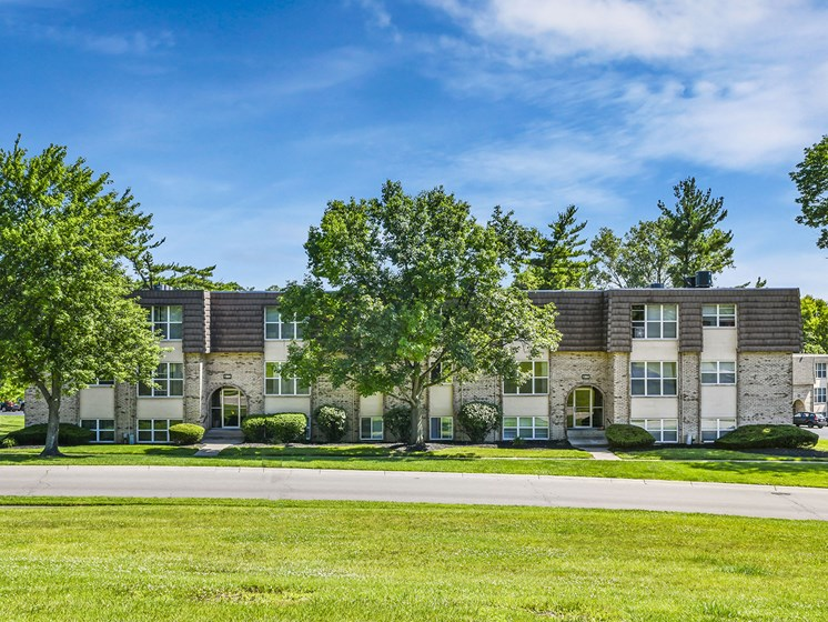 Extra-Comfy Furnishings. at Carriage Hill Apartment Homes, Hamilton, OH, 45013