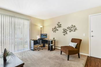 2517 Pheasant Ridge Trail 1-2 Beds Apartment for Rent Photo Gallery 1
