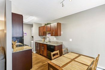 1112 Ashberry Village 2 Beds Apartment for Rent Photo Gallery 1