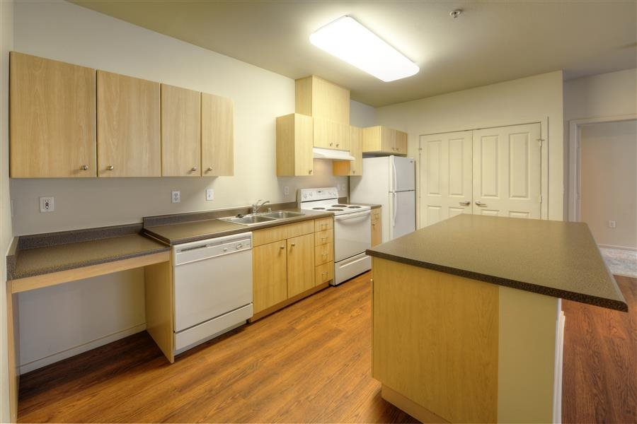 Island Kitchens at Bella Terra Apartments, Mukilteo, WA,98275
