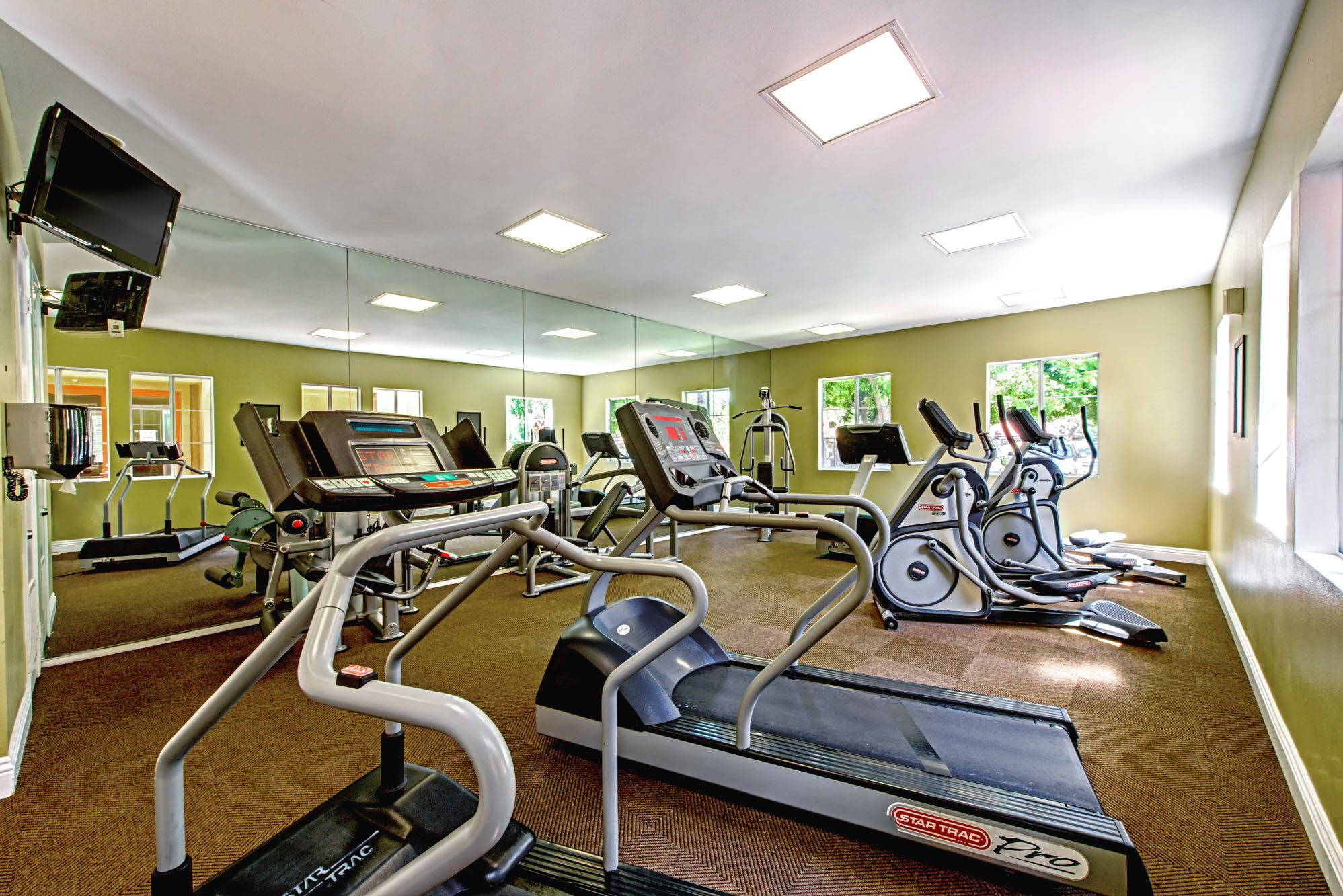 Fitness Center at Deerwood Apartments in Corona California