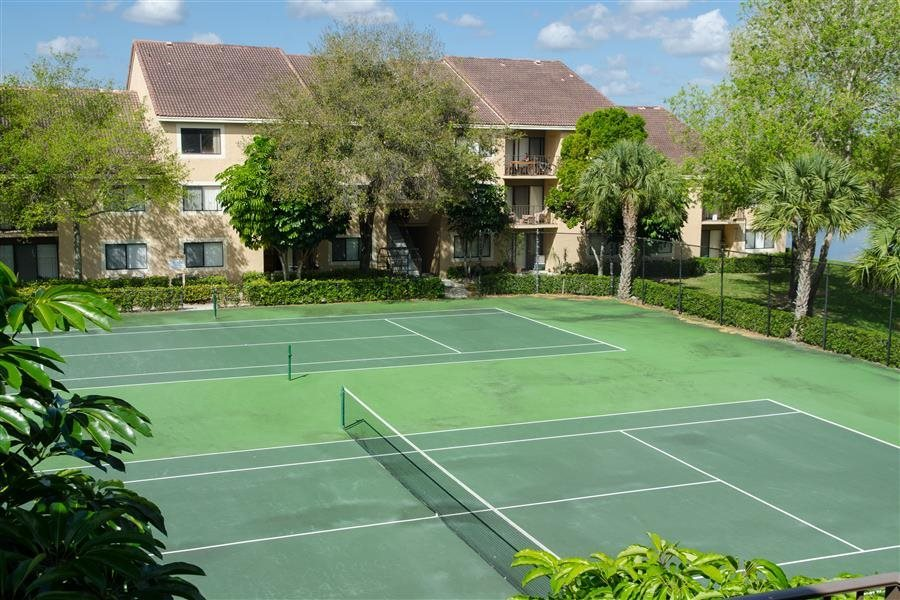 Tennis Court at The Reserve at Ashley Lake apartments in Boynton Beach FL