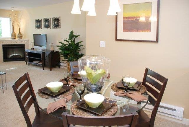 Personal Dining at Sage Apartments, Everett, WA,98204