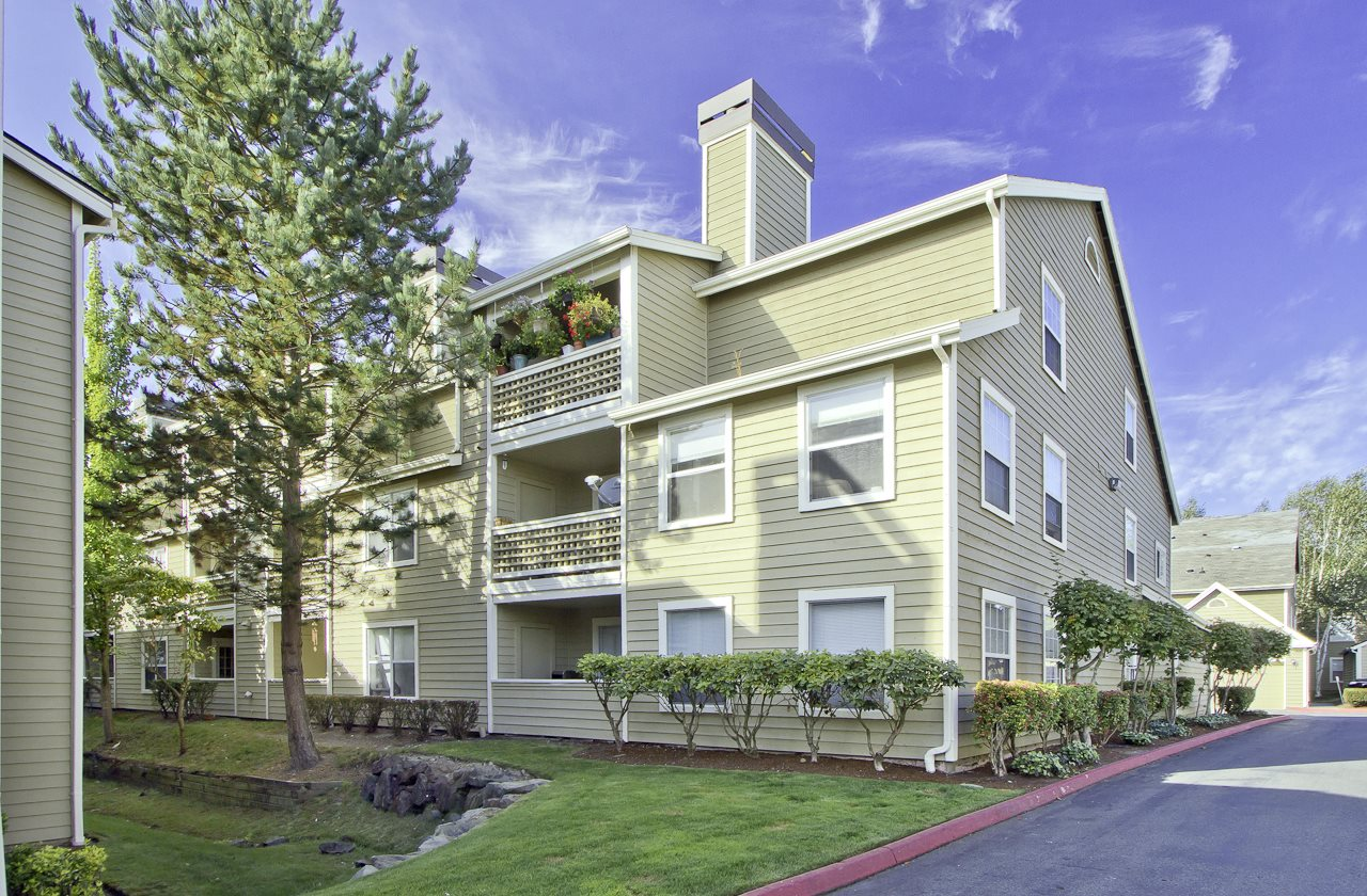 Renovated Apartment Homes at Huntington Park Apartments, Everett, WA, 98208