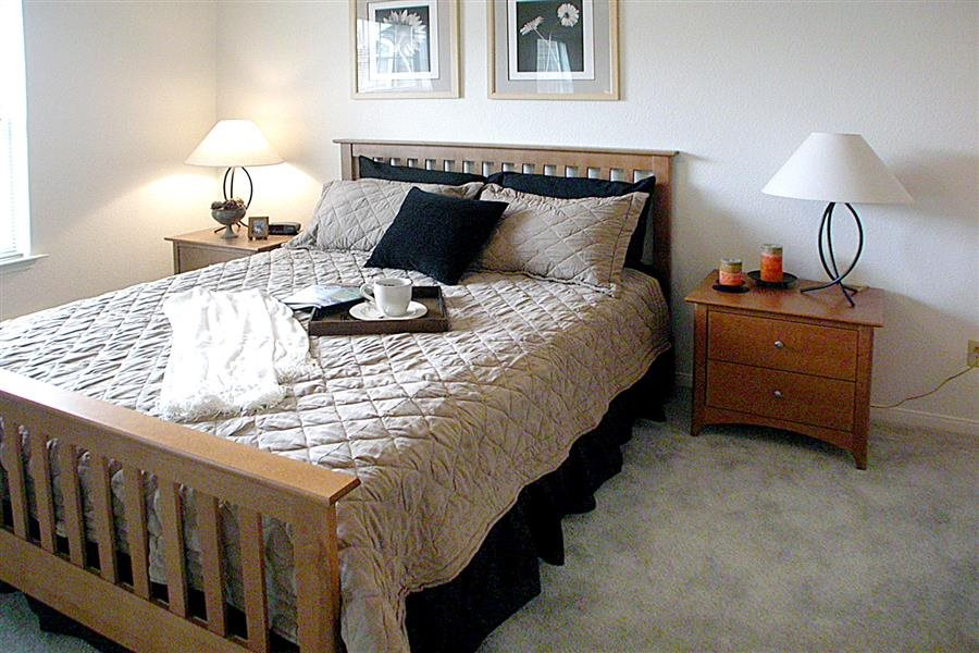 Live in cozy bedrooms at Huntington Park Apartments, Everett, WA,98208