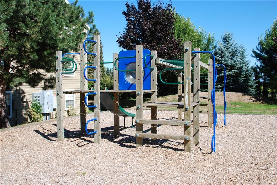 On-Site Playground at Huntington Park Apartments, Everett, WA,98208