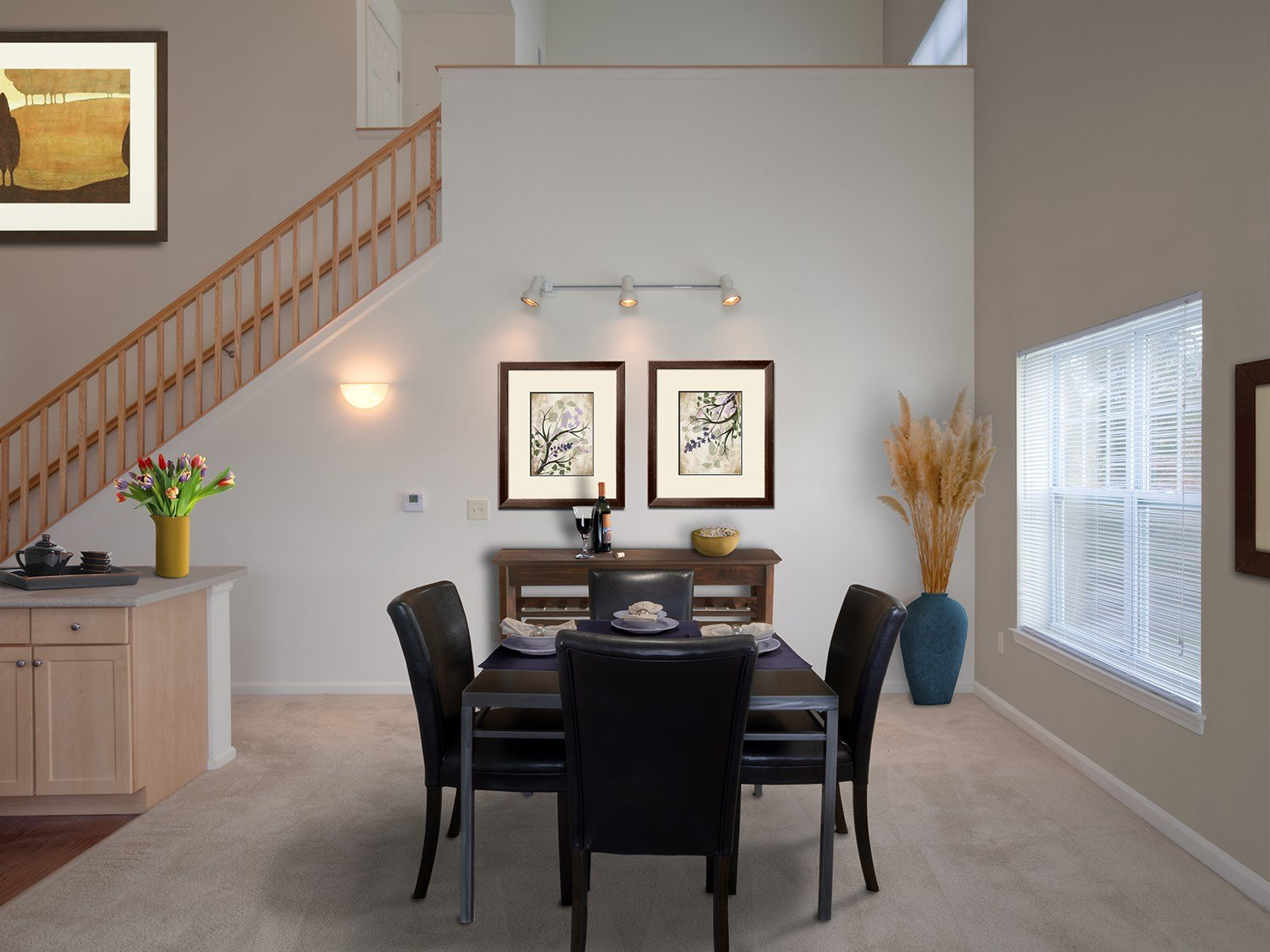 Dining Area at Enclave at Charles Pond Apartments in Coram, NY