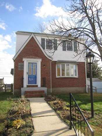 8005 Neighbors Ave 3 Beds House for Rent Photo Gallery 1